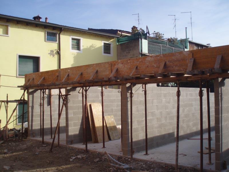 Demolizione vecchio edificio e costruzione garage nuovo