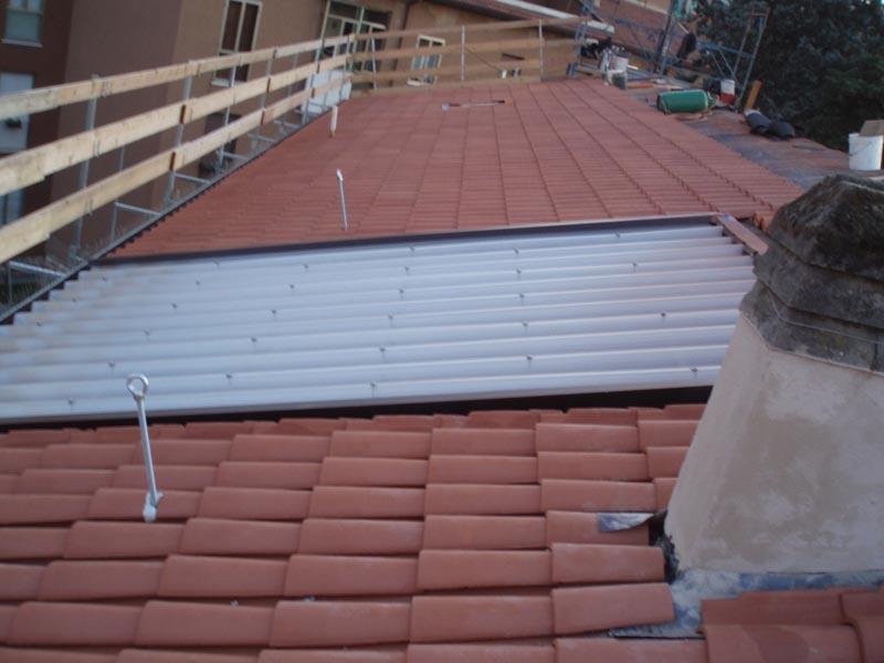 Installazione linea vita su tetto condominiale 2