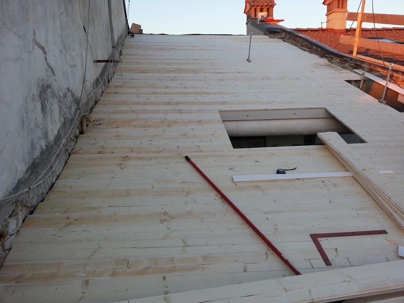 Lavori di ristrutturazione completa del tetto con l'utilizzo dell'unicoppo possagno 5