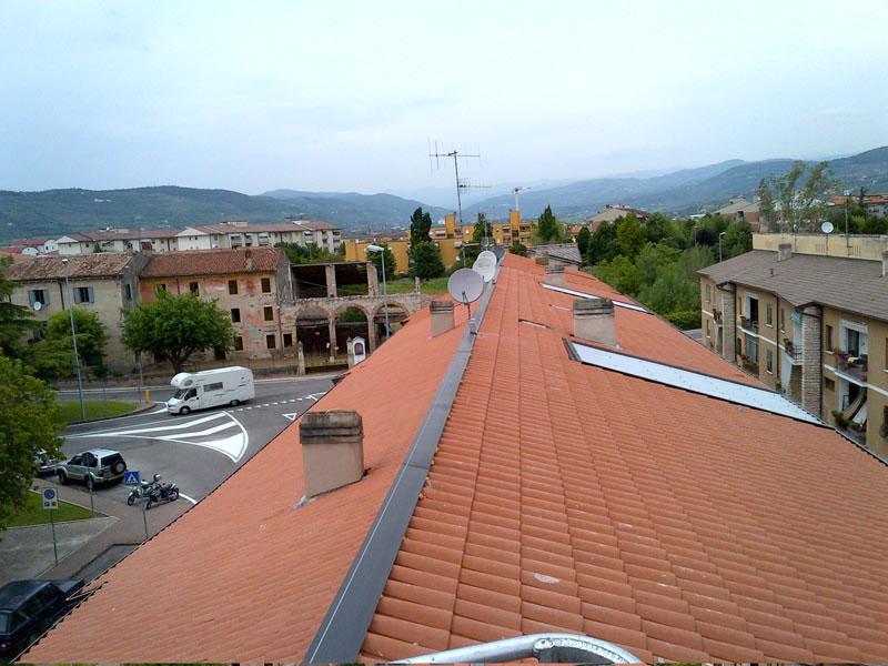 Installazione linea vita su tetto condominiale 1