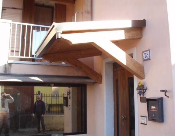 Ingressi pedonali e tettoie in legno